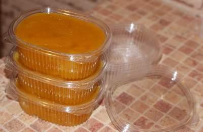 мёд, используется в приготовлении паст для шугаринга