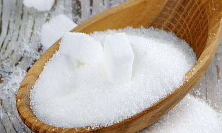 Деревянная ложка сахара