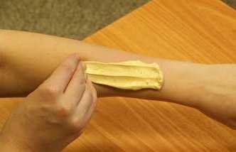 Шугаринг на руке